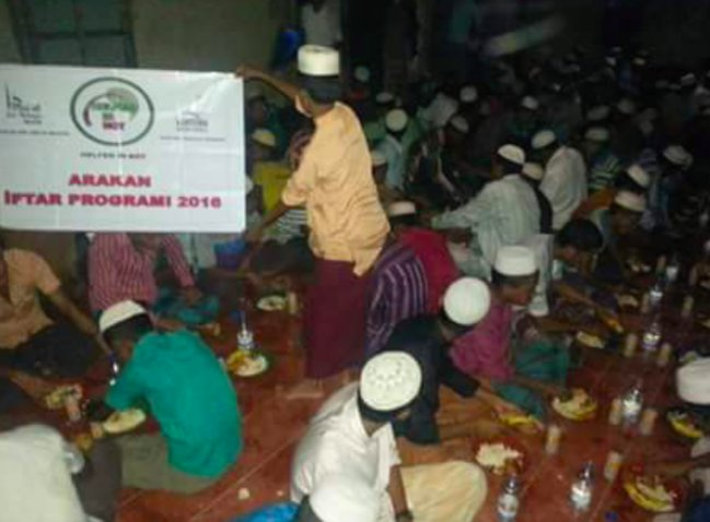 5) In June during holy month Ramadan, the group organized Iftar-dinners for Rohingya Muslims in Myanmar as well https://t.co/BkcTDD7Sht