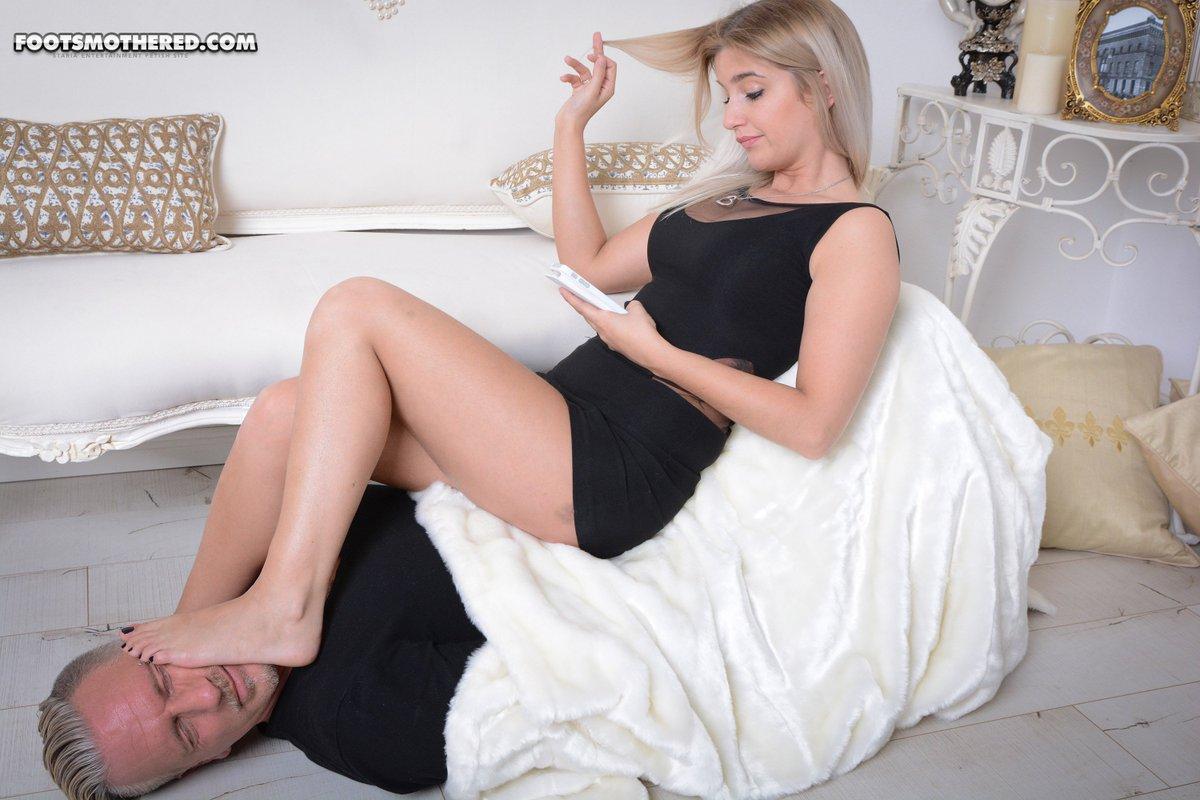 Thai young girlfriend fucking