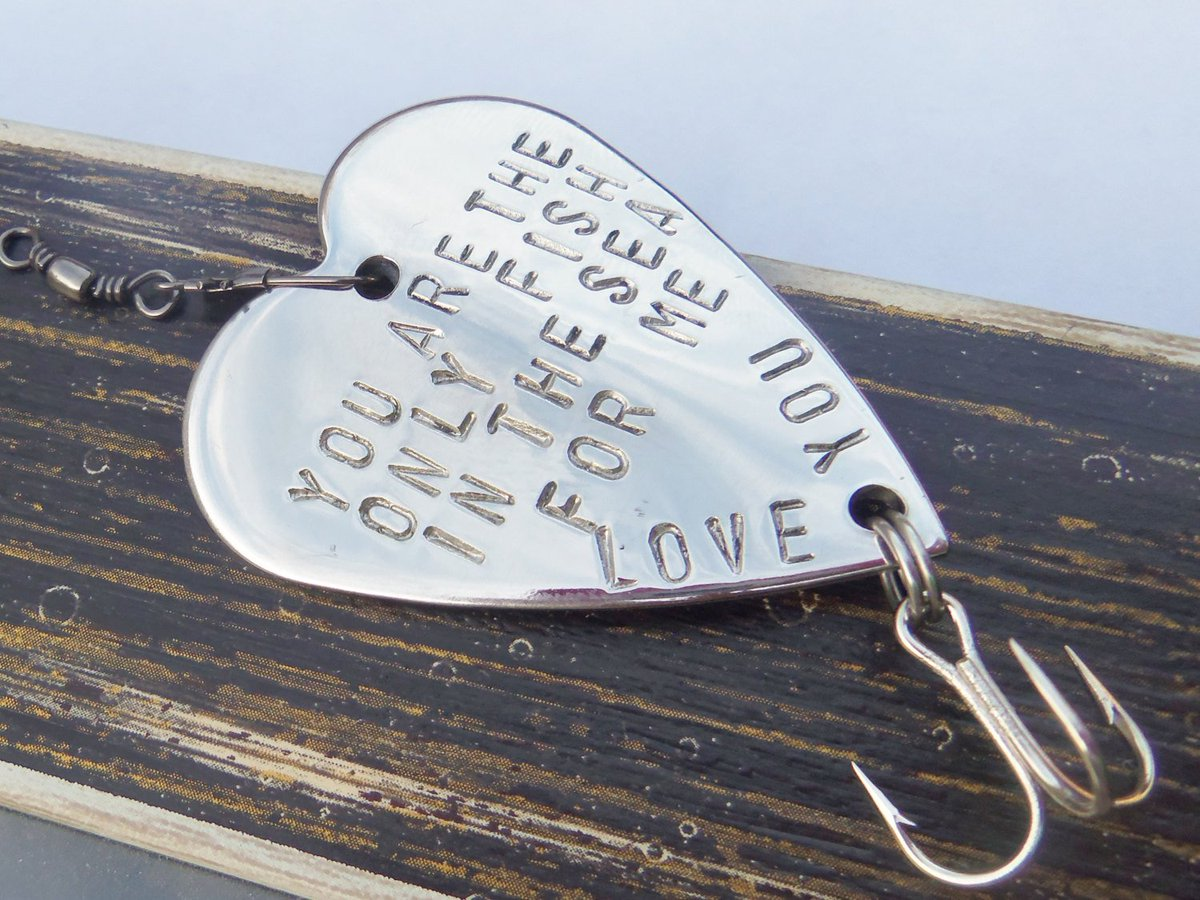 romantic_gifts hashtag on Twitter