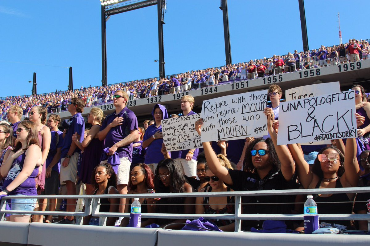 A group of TCU students sat during the national anthem in solidarity with NFL player Colin Kaepernick https://t.co/y0JXFEKe71