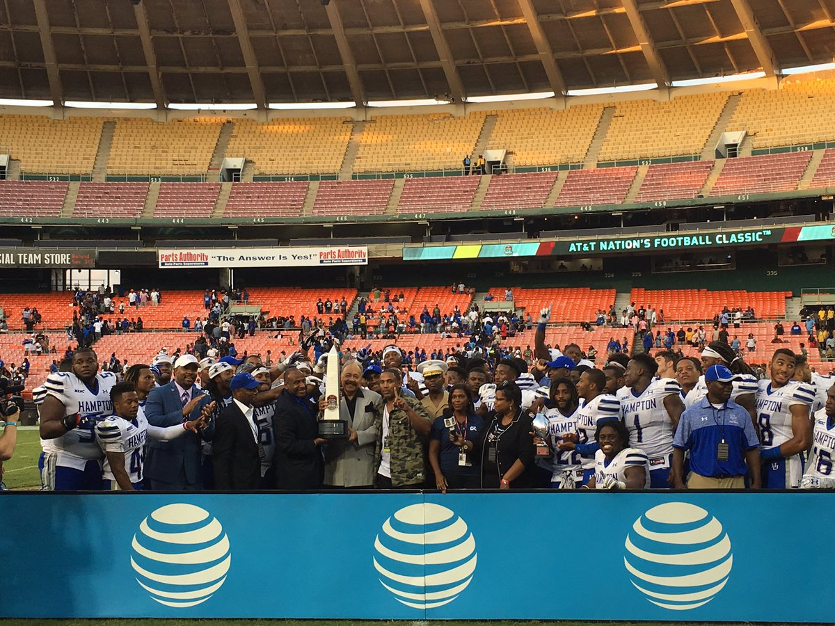 Congratulations to @HUAthletics! 2016 @ATT Nation's Football Classic champions with a 34-7 victory over @HowardU! https://t.co/PfI0dy10en