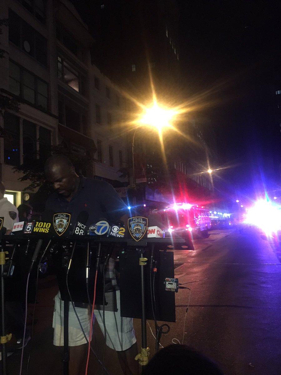 Presser starting soon on 23rd & 5th Avenue where Mayor de Blasio will talk to press https://t.co/sIikZWH6pE