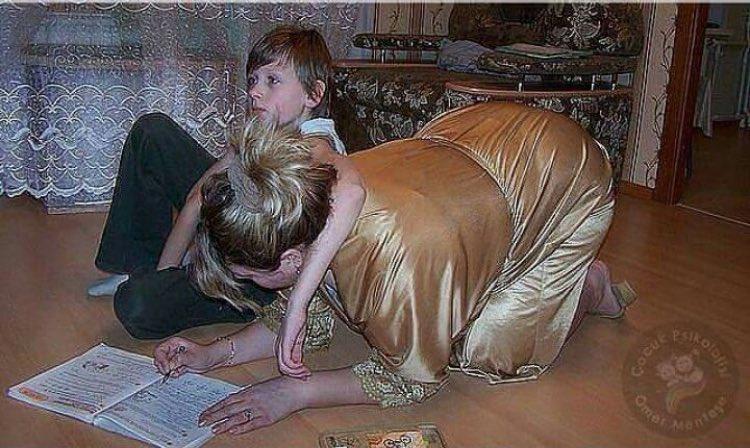мама затрахала сына-девственника