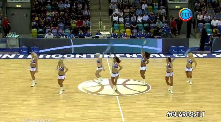 Tiempo muerto, momento de las cheerleaders