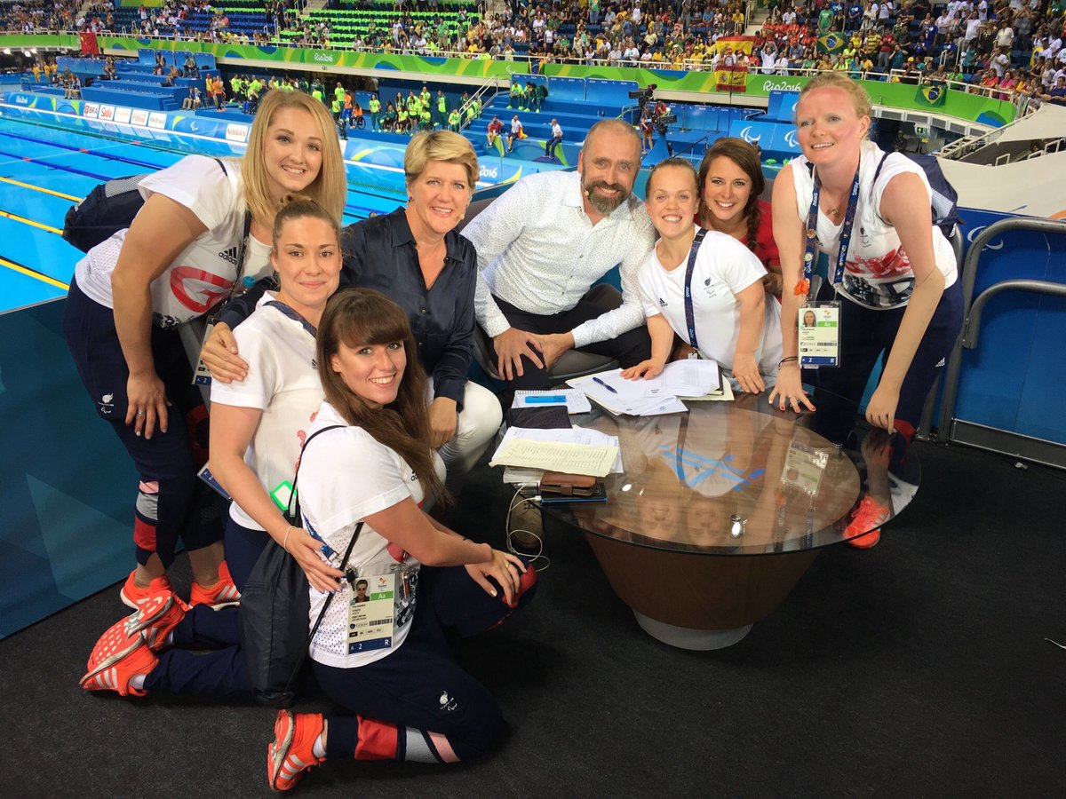 Loved having this lot come to visit us last night #magicmedallists #reunion https://t.co/Pns9mViAOa
