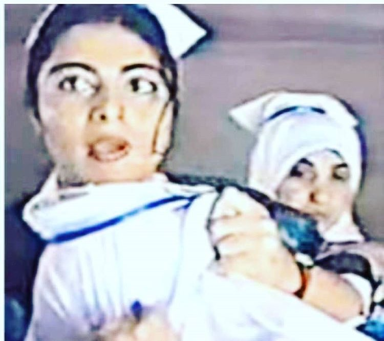 Unutamadığım karelerden biri;başörtülü sınıf arkadaşına saldıran hemşire,kim bilir başörtülü hastalara neler yaptı? https://t.co/0X86IMZXfF
