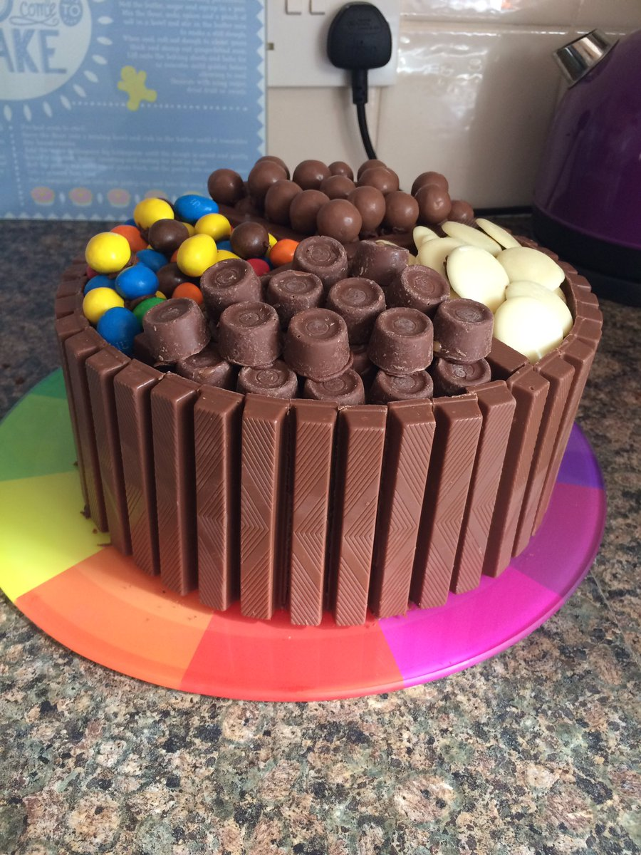 Loud Proud Cakes On Twitter Chocolate Explosion Cake For