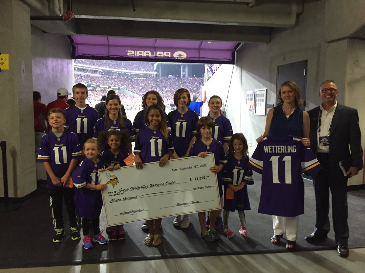 Thankful for the kindness of the @Vikings and all of the fans. #JacobsHopeLives #11forJacob https://t.co/OTWW2c5hKJ
