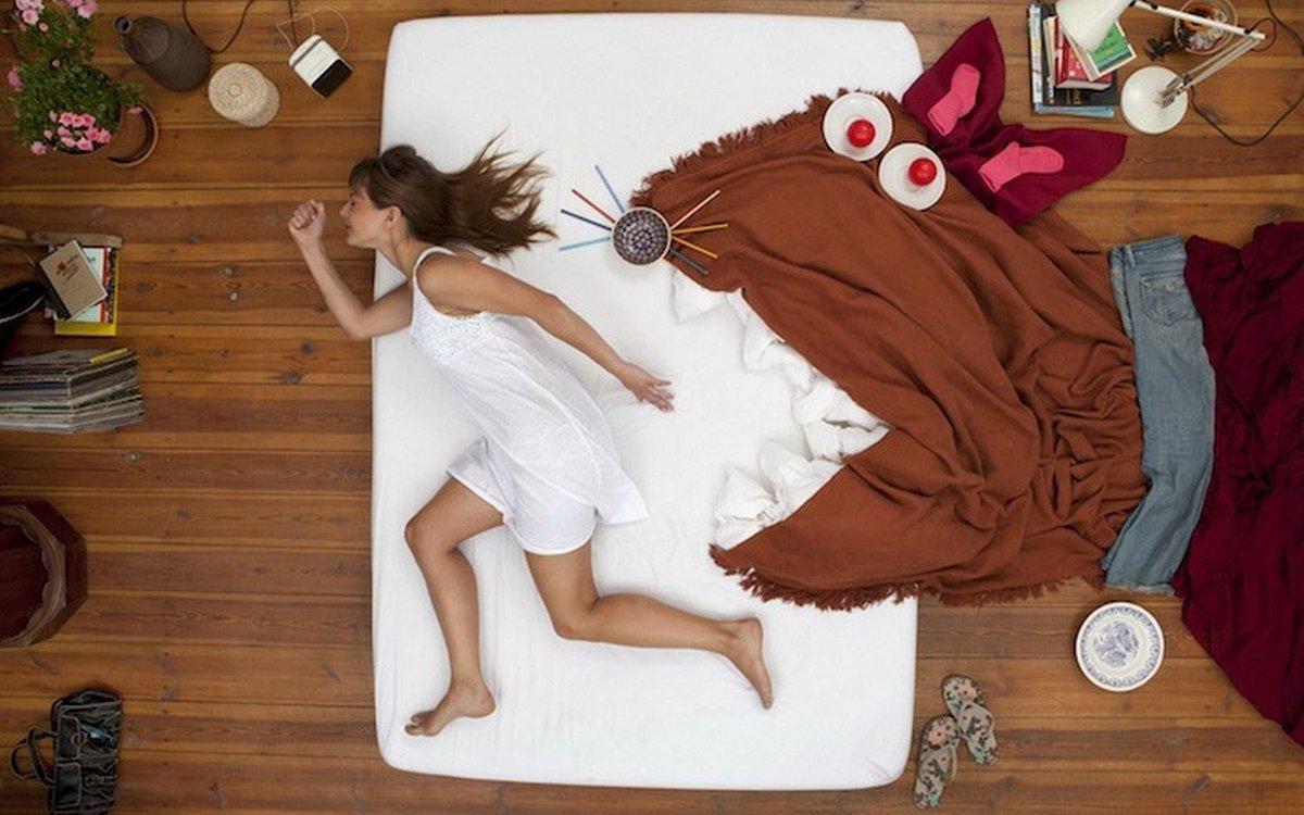 Как спит девушка смешные картинки