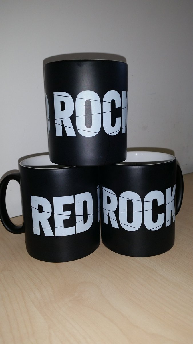 What could make Mondays any better than an hour of new #RedRock tonight at 9.30pm on TV3? RT to win a #RedRock mug! https://t.co/tdvW7P97JT