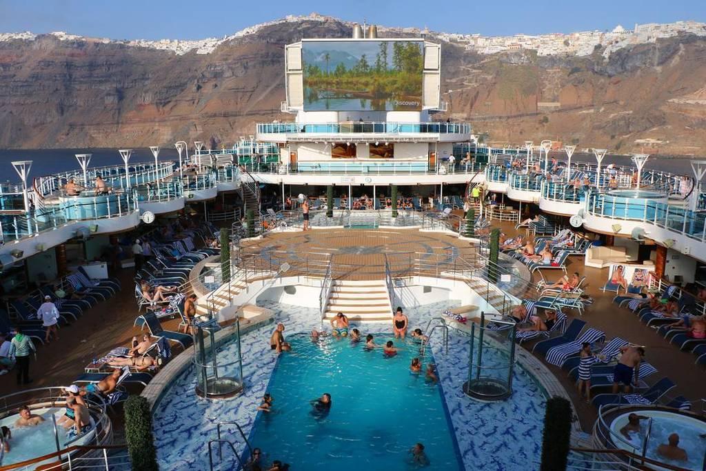 「豪華客船 プール」の画像検索結果