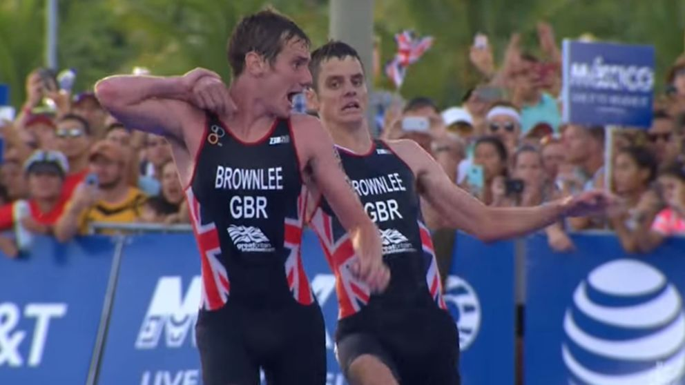 An absolutely astonishing show of #leadership from the Brownlee Brothers today! https://t.co/v2u8gBIuw0 https://t.co/EdjBkaG5bQ