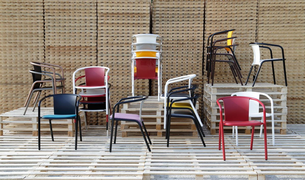 Say it with color! The contemporary designs of the Maré arm chair from Sandler Seating - https://t.co/lrhuHCZ3dH