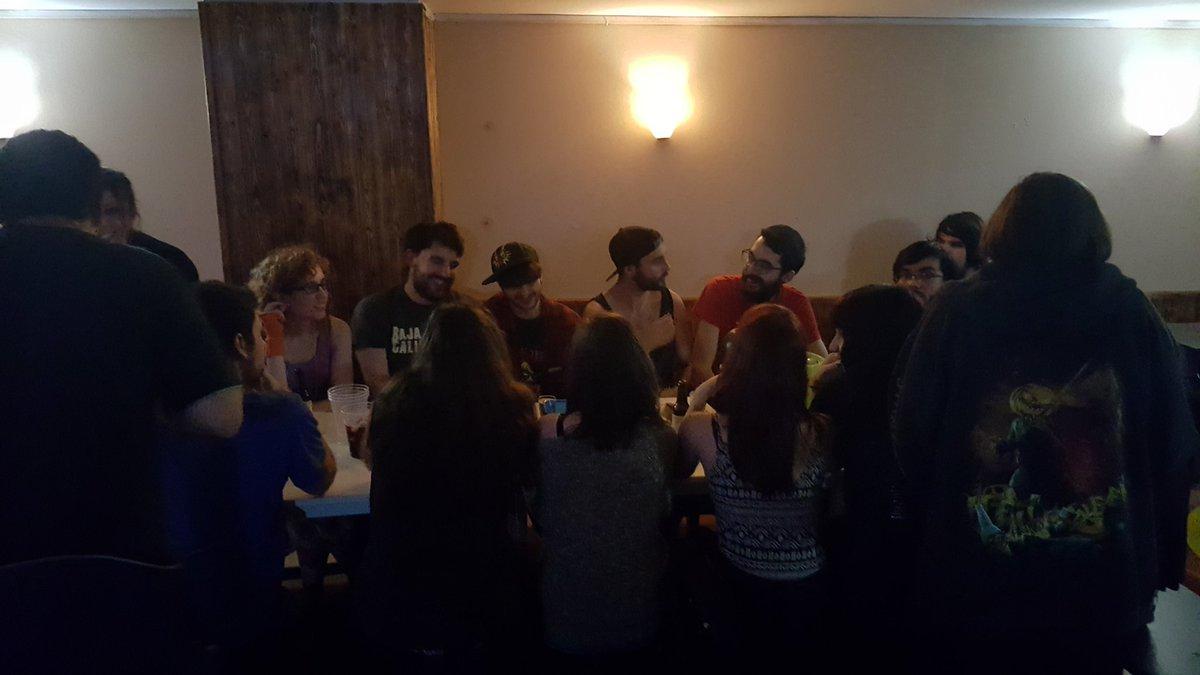La última cena #cumpleperti https://t.co/LJ0AjOsnRp