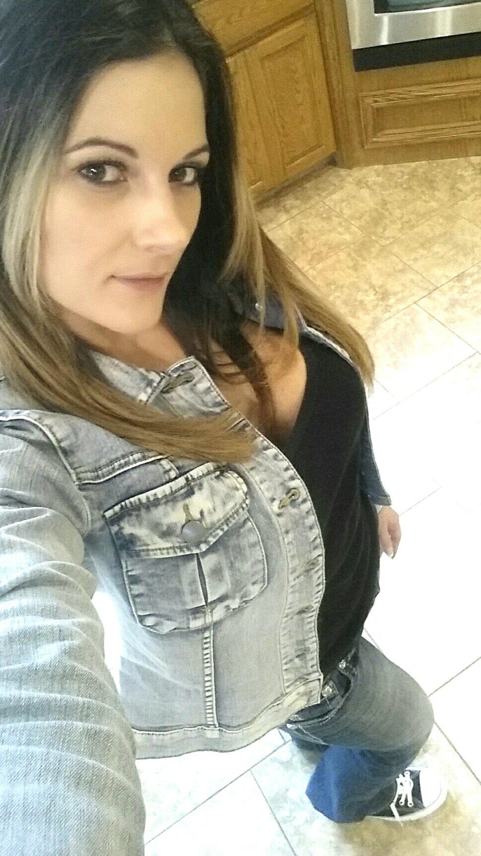 Mandy Flores.Com