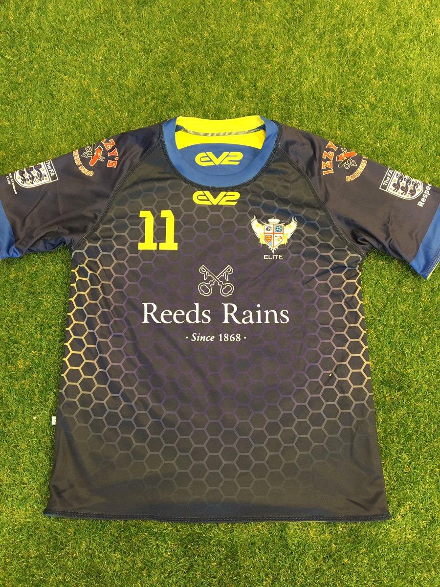 06683d20 Reversible football kits, reversible rugby kits, reversible touch kits  !pic.twitter.com/ENGa1Yaw9e
