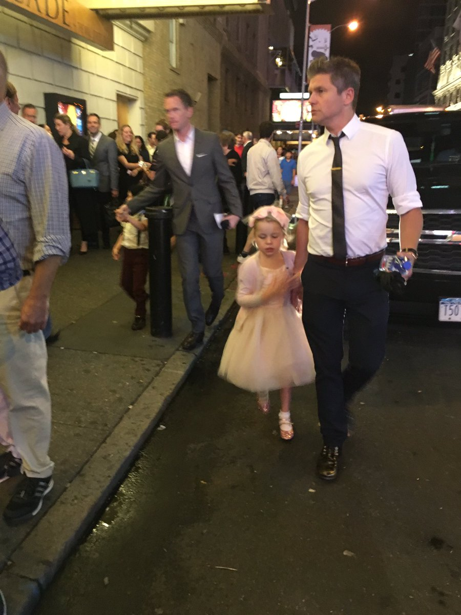 EVERYTHING TODAY WAS SHITTY BUT THEN I SAW NEIL PATRICK HARRIS GOING TO HAMILTON. Cutest kids OMG. https://t.co/Qg3JaqPUPU