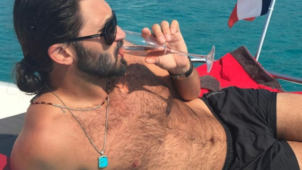 Time to head back to the harbor, Charlie. Browns signing QB Whitehurst via @RapSheet https://t.co/Qw678beuYh