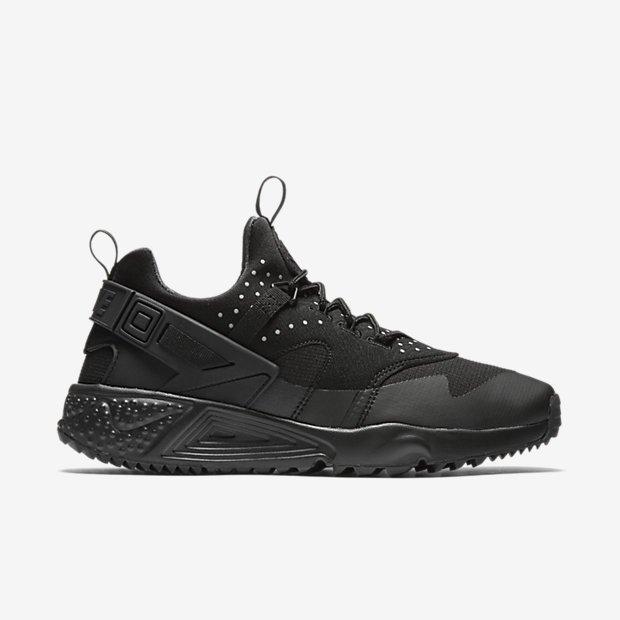 detailing ad2a7 83118 Nike Air Huarache Utility Triple Black 3M  http://thesolesupplier.co.uk/release-dates/nike/nike-air-huarache-utility-black/  …pic.twitter.com/90vkPAAZOV
