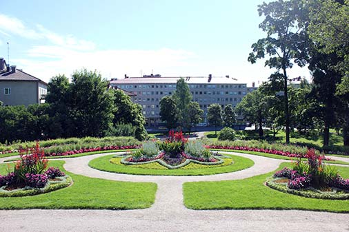 Will share some #liveablehelsinki pictures. #Greenness, parks and sea make #Helsinki liveable. https://t.co/r3mXKZCGrU