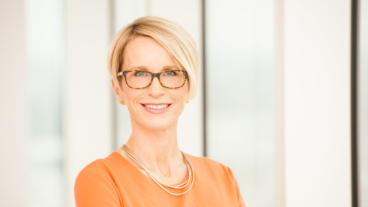Today we've announced Emma Walmsley will succeed Sir Andrew Witty as CEO of GSK. Read more: https://t.co/amyuIRK1uJ https://t.co/Z7awbyPKt3