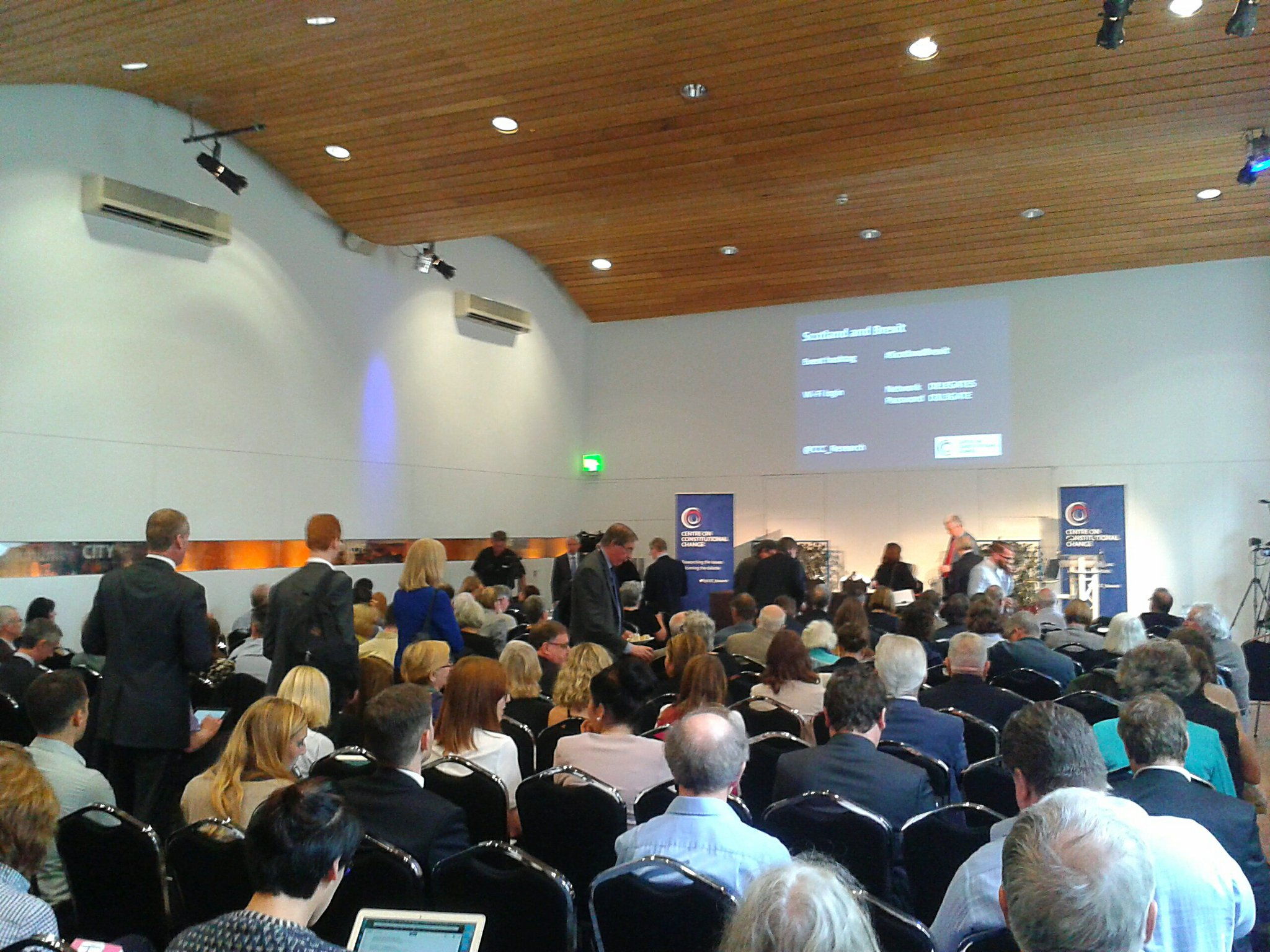 Full house at the #ScotlandBrexit event, organised by @CCC_Research. We're about to start! https://t.co/lEYcaW0h8I