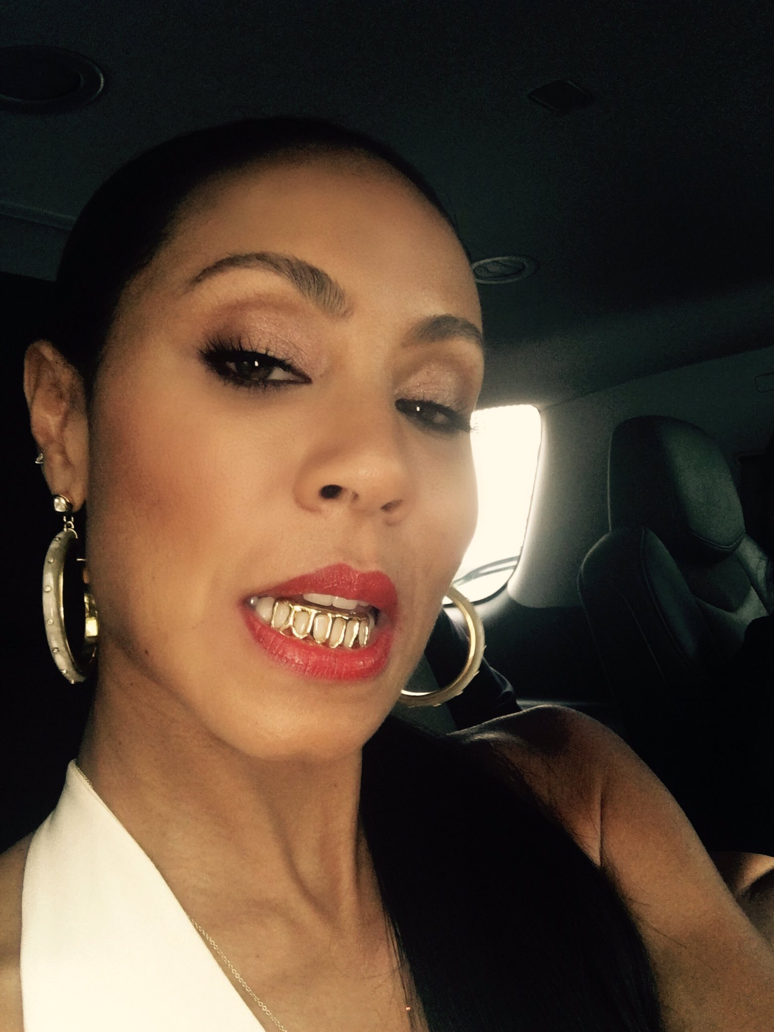 RT @jadapsmith: When your son buys you grillz for your 45th birthday:) https://t.co/Crysr6T3nf