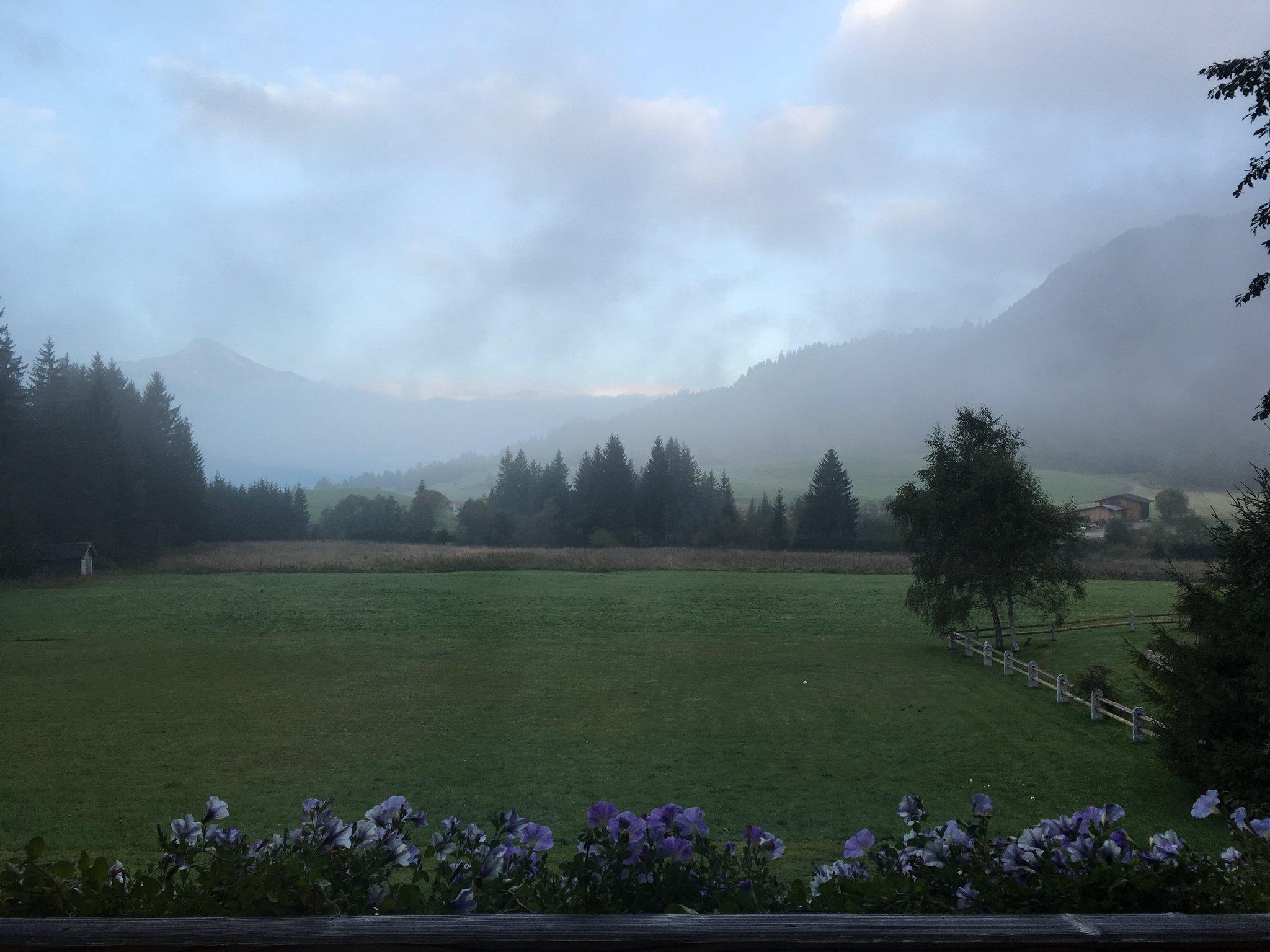 Guten Morgen aus dem #TannheimerTal #meurers #balkontweet https://t.co/nWR4RsIwKc