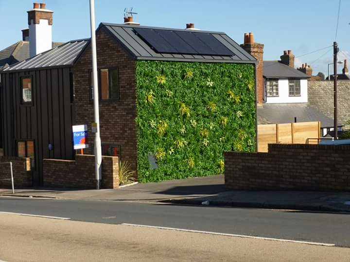 @Paul4Cowick are you able to settle Fb debate pls? Should this wall be real greenery? Planning docs suggest so. https://t.co/BjEAHDndtH