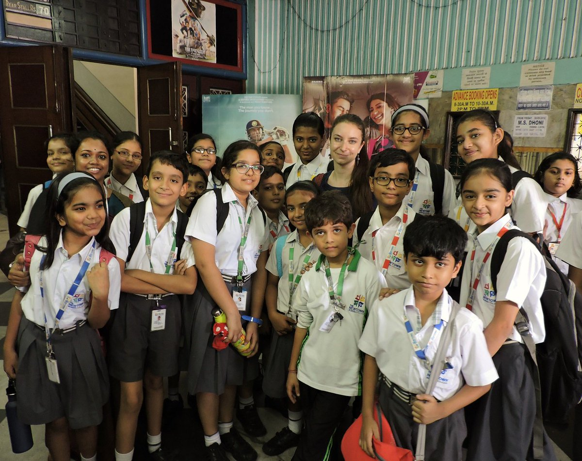 France In Kolkata On Twitter Nearly 500 Students Learning