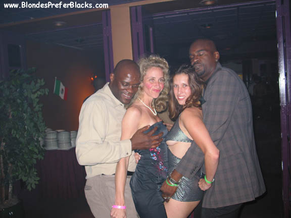 Interracial Bar Meet Pre Party Brothalovers