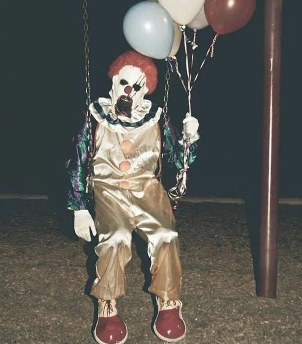 Creepy clowns make threats in New Haven. Latest on @WTNH at 10/11 https://t.co/yTkZgmmmDh