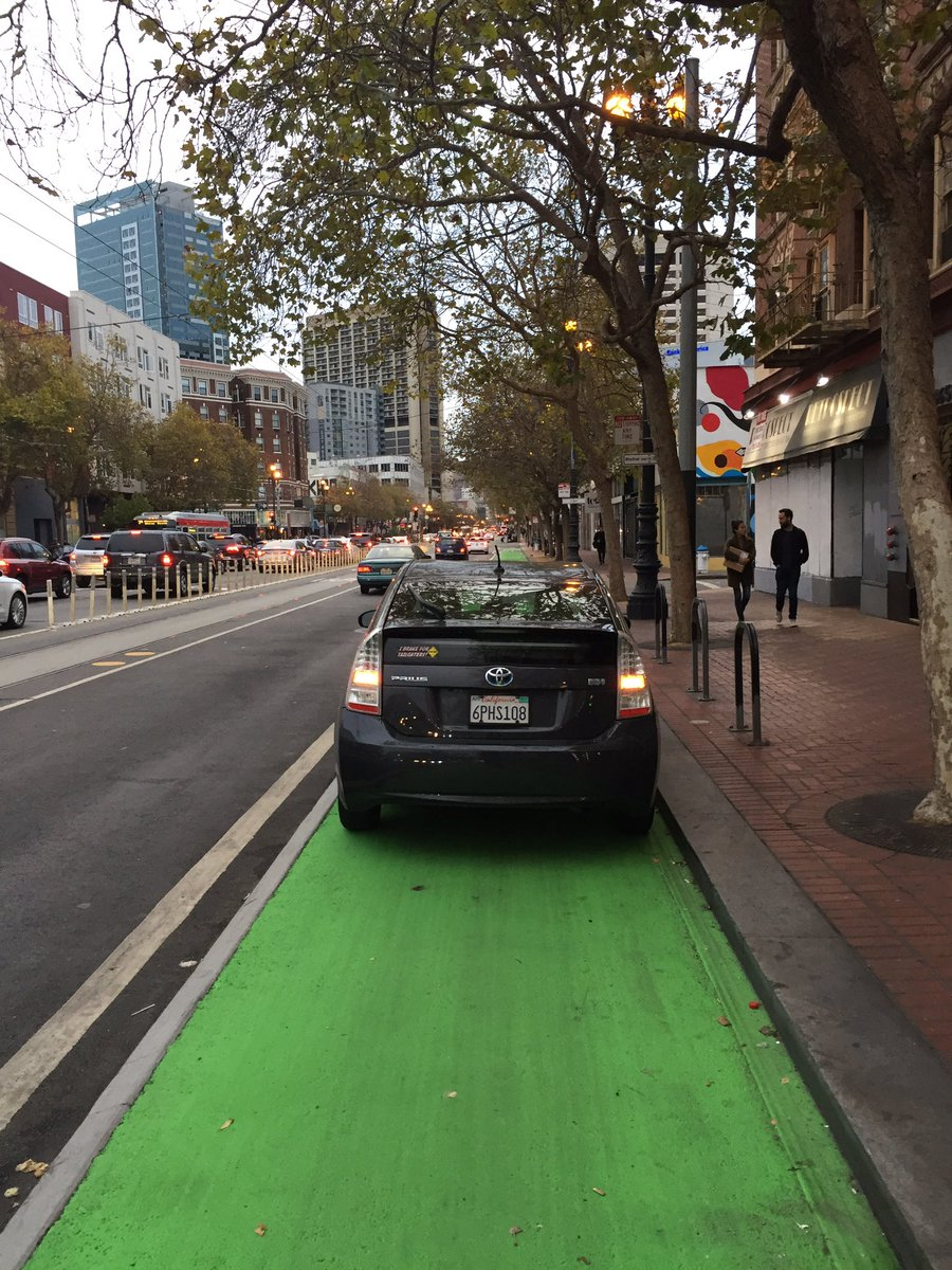 @sfmta_muni @SFMTrA weird, it's almost like a bit of paint makes no difference? #VisionZero https://t.co/IKEm1LKhnv