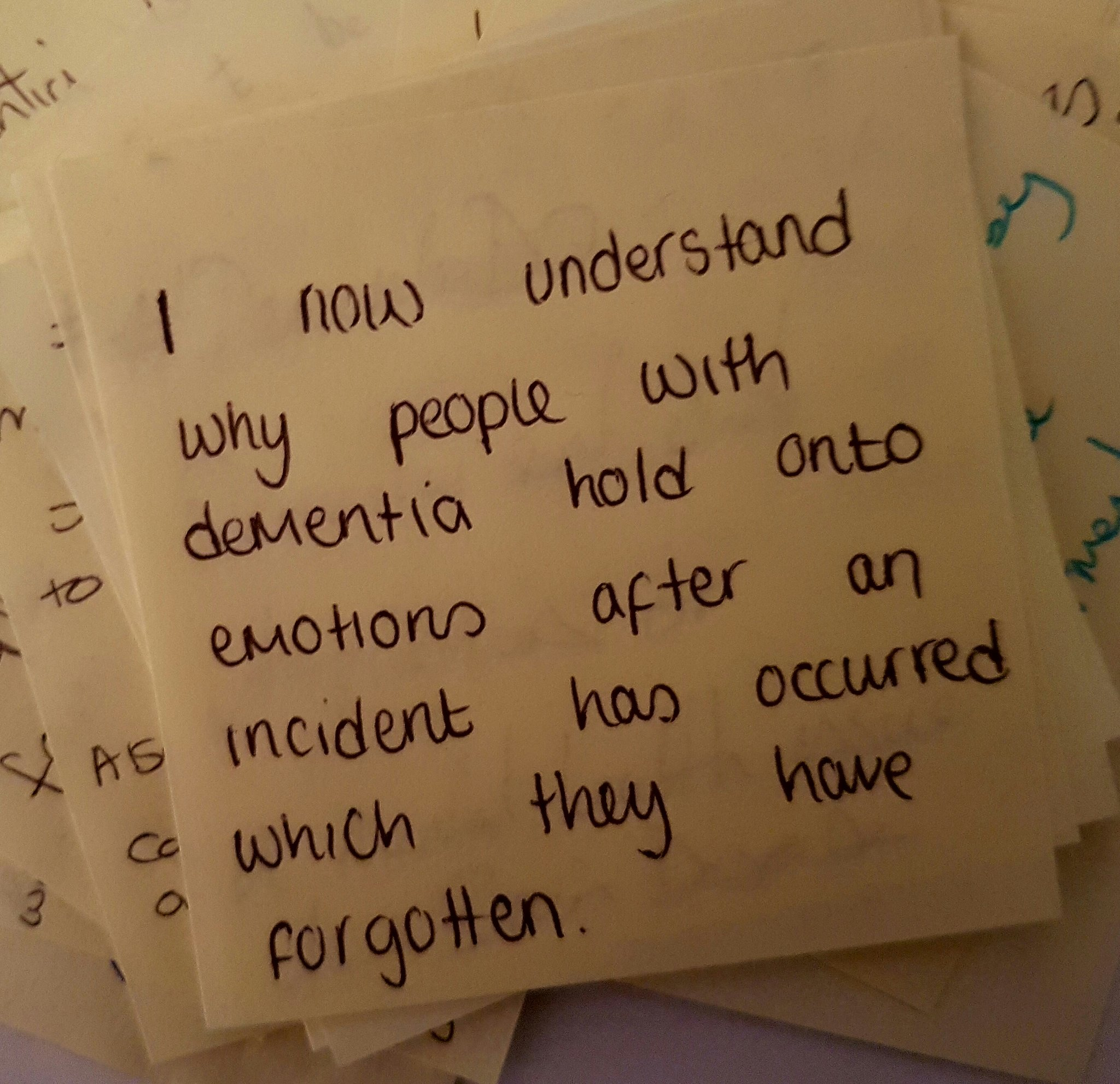 "Today's #dementiado post-it came from @cheshirepolice  ""I now understand why ppl with dementia hold on to emotions after an incident""  True. https://t.co/j3Sq0q1IL3"