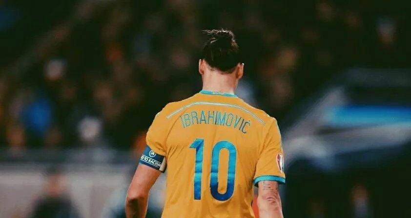 Zlatan no celebra un año más,el mundo celebra tener a Zlatan un año más!  Actitud. #Zlatan35 #DareToZlatanpic.twitter.com/M70G8MiiFS