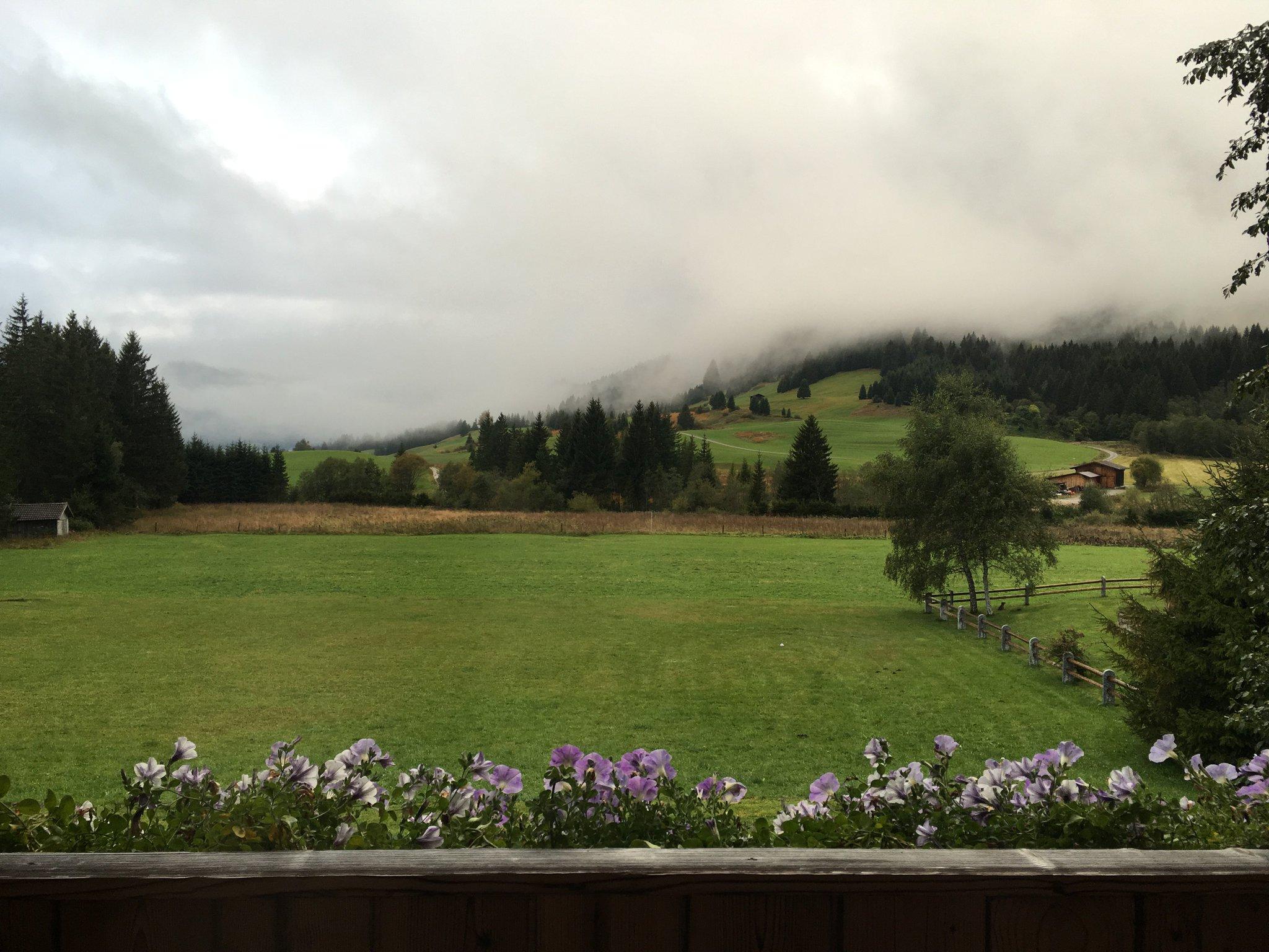 Guten Morgen aus Grän #meurers #TannheimerTal #balkontweet https://t.co/j9MAdBVOqx