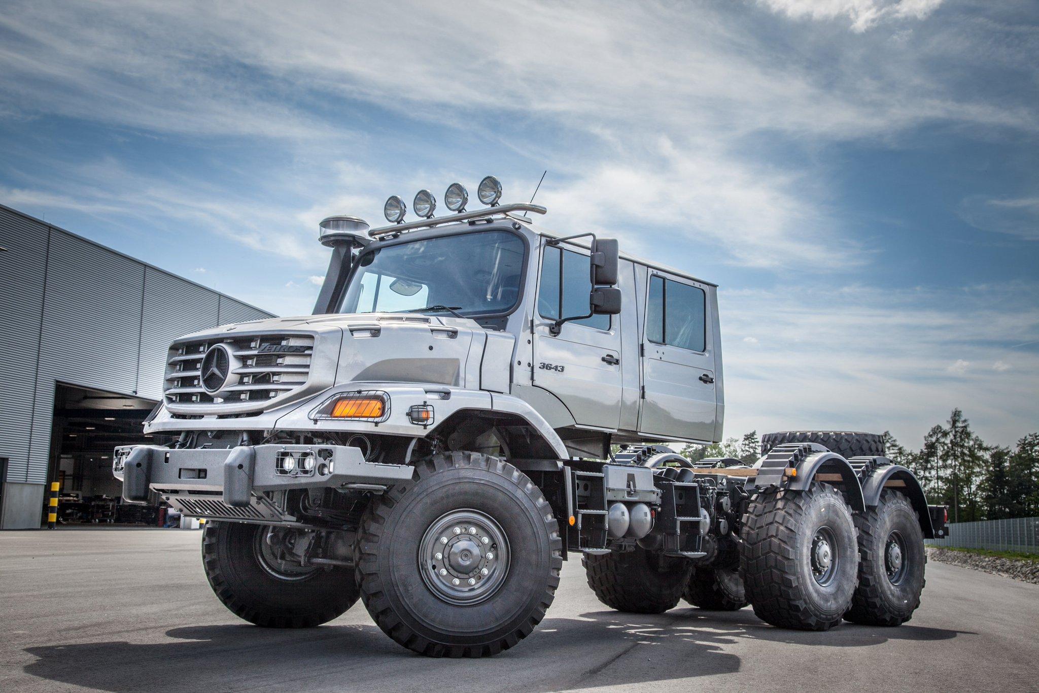 """Mercedes-Benz Trucks on Twitter: """"WOW! @MercedesBenz # ..."""