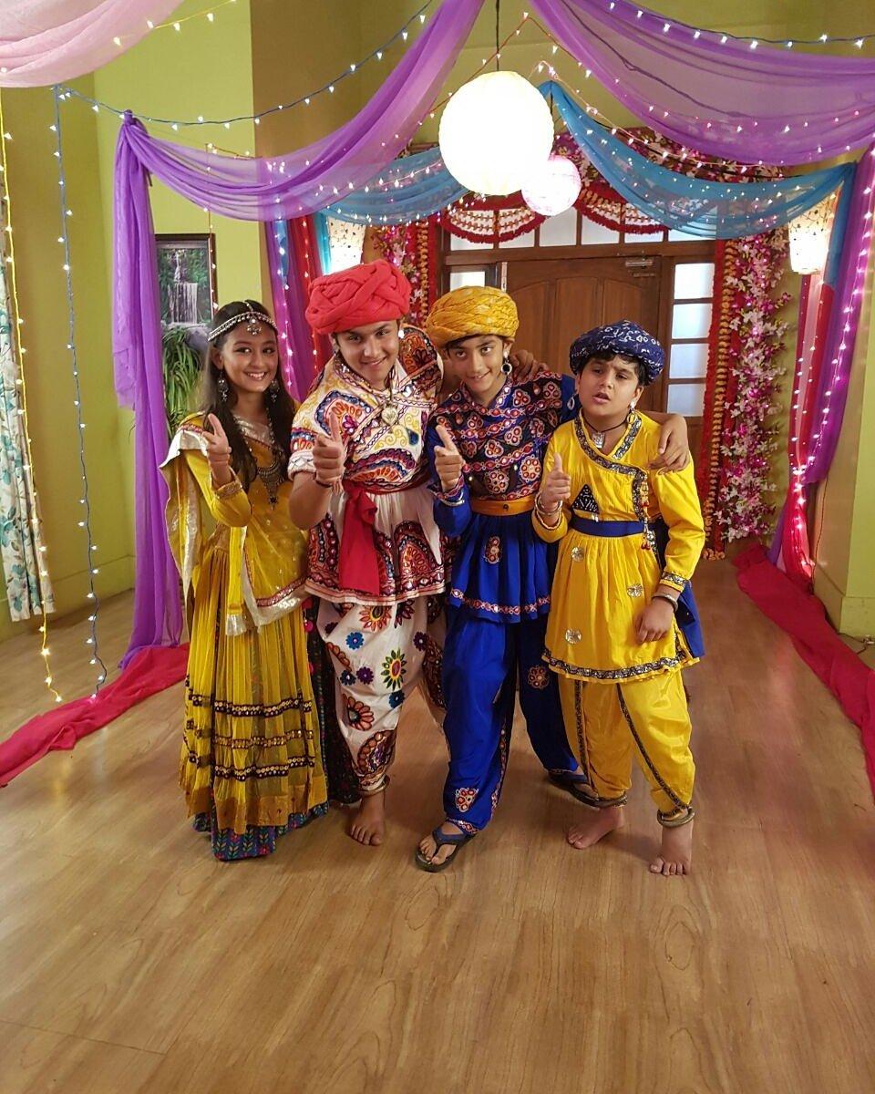 HappyNavrati from the sets of #Baalveer @devjoshi10 Tweet