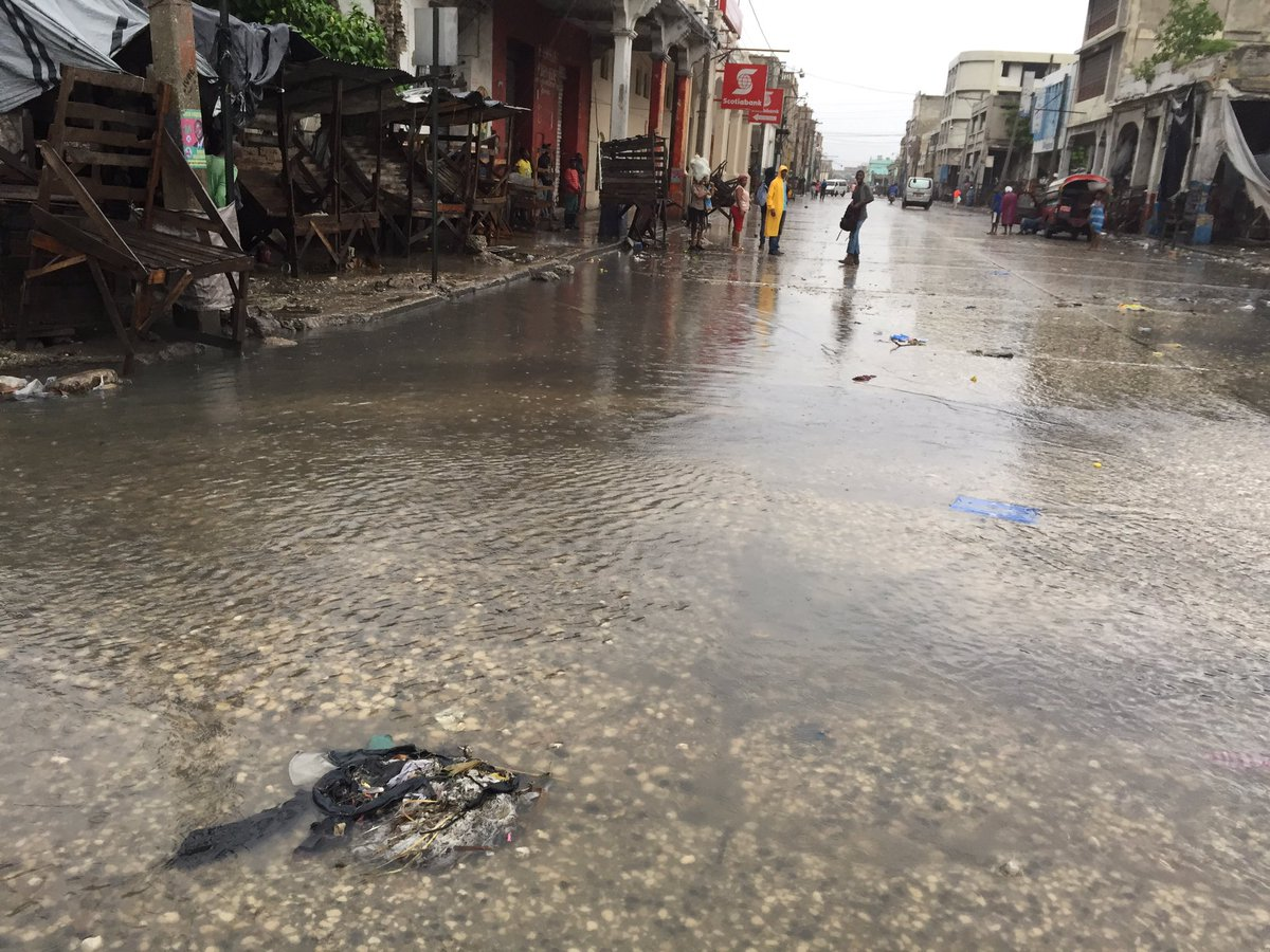 Flooding started at Grand Rue in Port-au-Prince, #Haiti #MatthewHaiti https://t.co/166fZR9ln0
