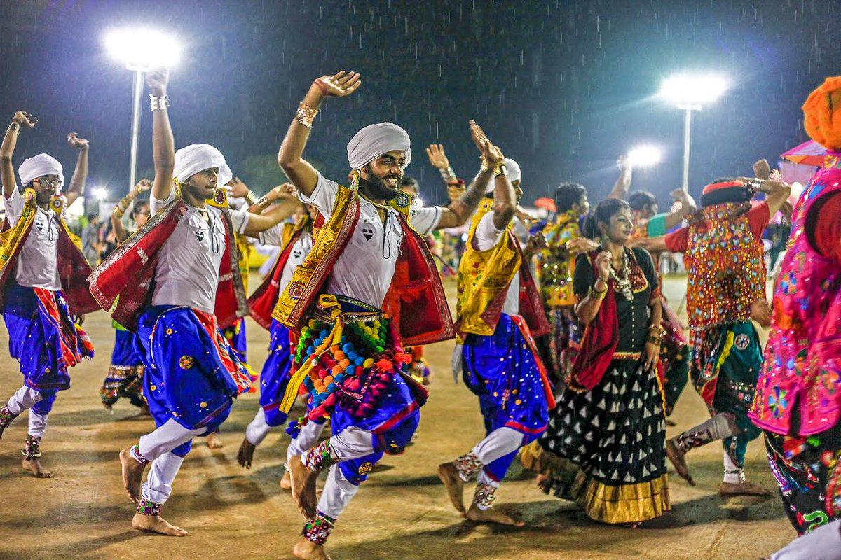 Navratri: Amdavadis keep their fingers crossed for 5th night, Met issues very heavy rain warning