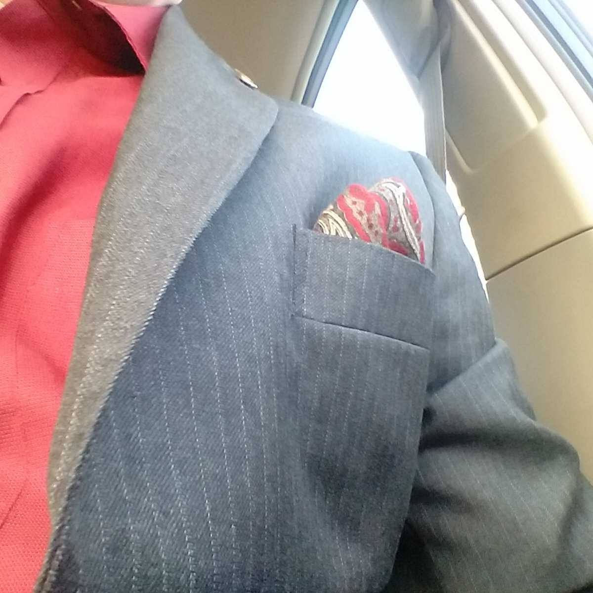 Red shirt, socks and pocket square today in support of the #UWUnitedWay campaign. #UWaterloo https://t.co/IrssjEH9W6