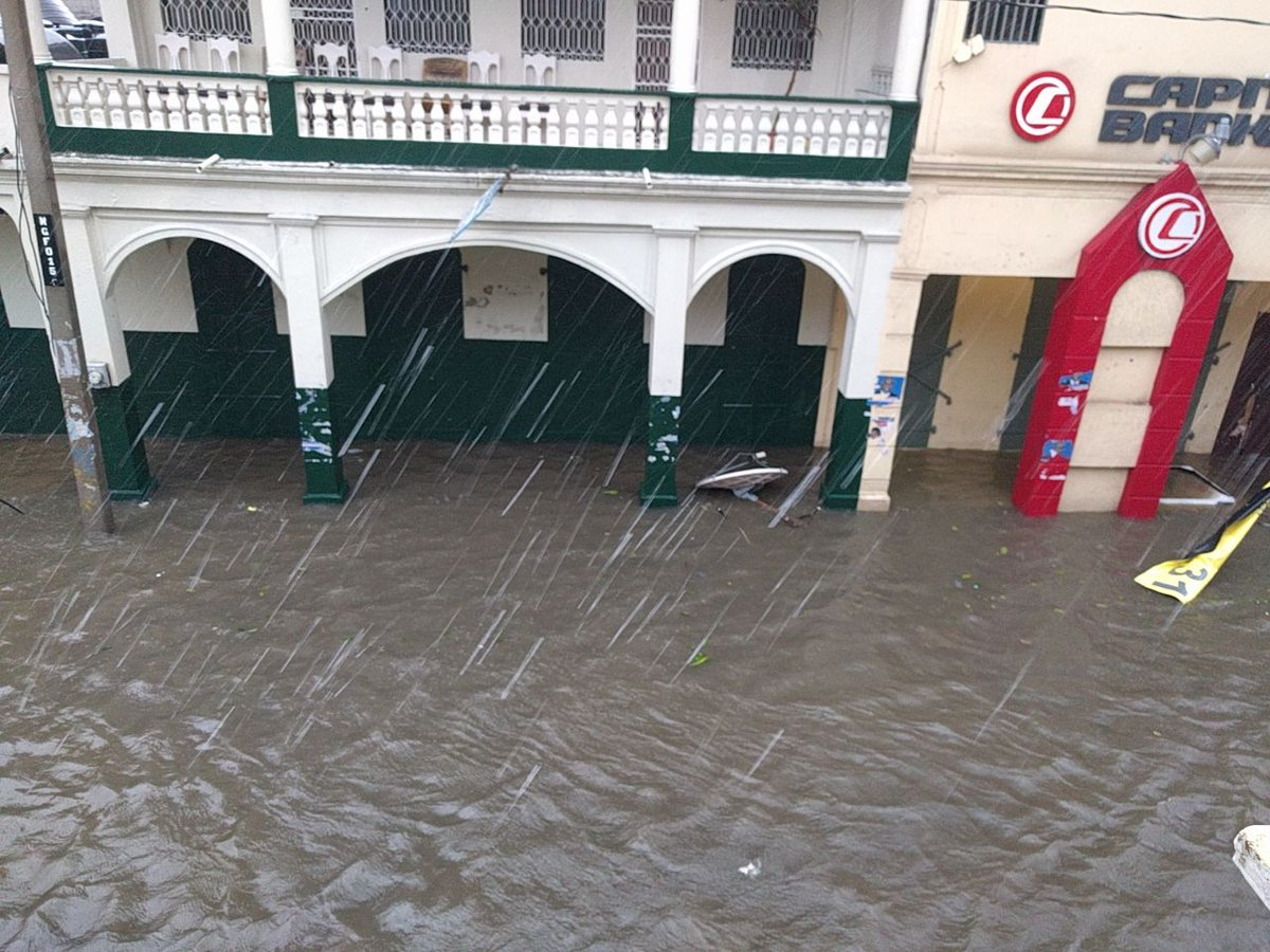 Aux Cayes this morning #Haiti #Matthew #MatthewHaiti @TainoL https://t.co/0scgrYM9d6