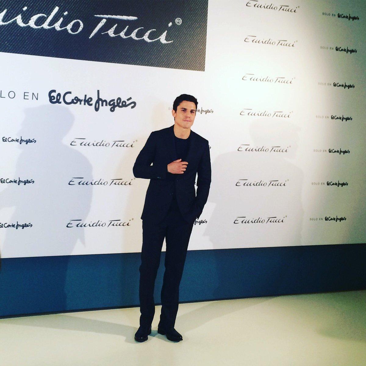 Aquí está el nuevo chico #EmidioTucci para @elcorteingles  @alexgonzalezact https://t.co/dNj67sh3D6