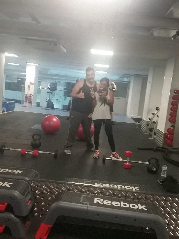 Late night gym session with my boy @AshPoll88 👊👊 killing it!! https://t.co/Vjrhy9XqIb