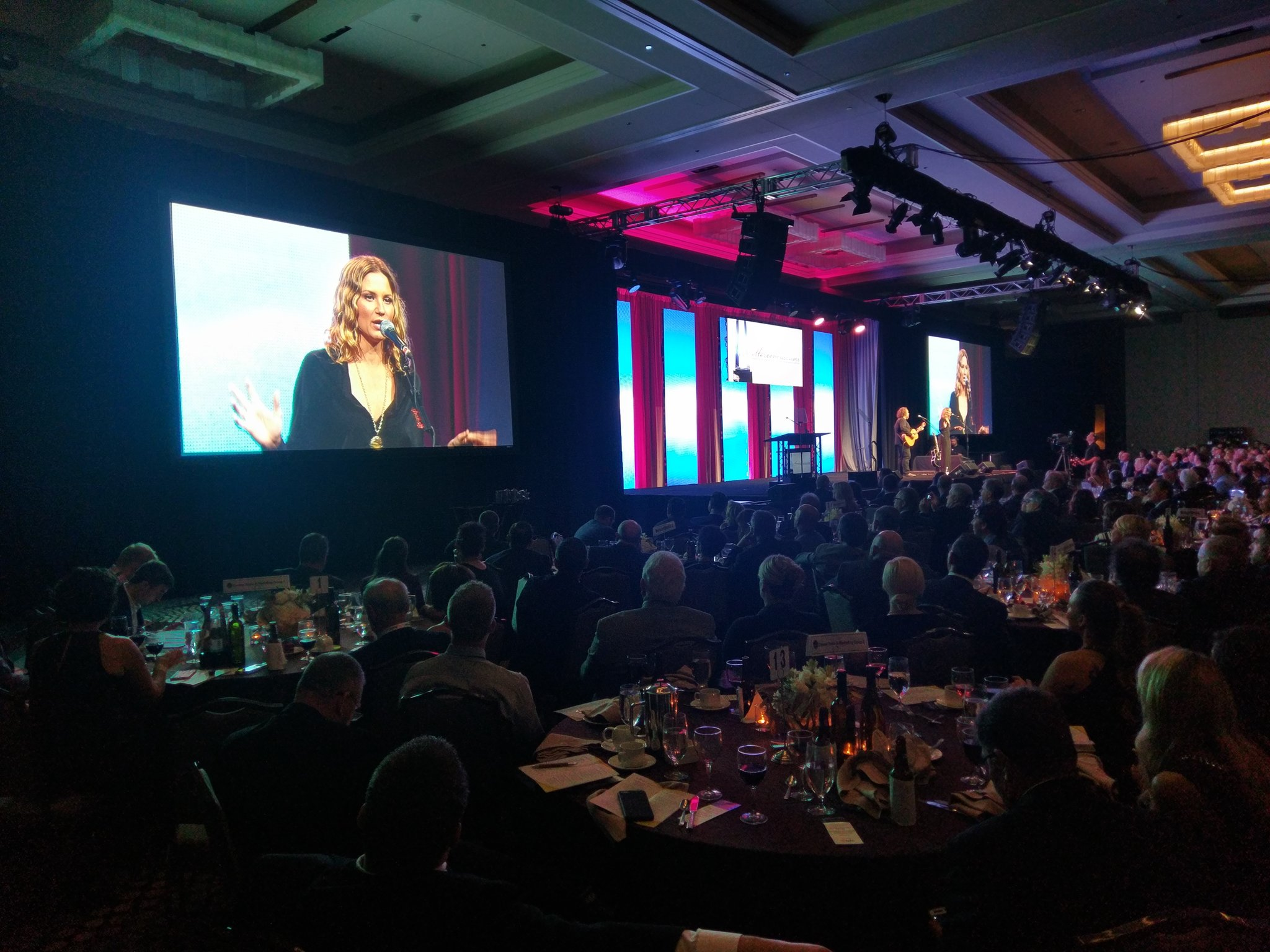 ".@JenniferNettles at #RadioShow2016: ""Radio is a connector."" https://t.co/W6dT4VeO8T"