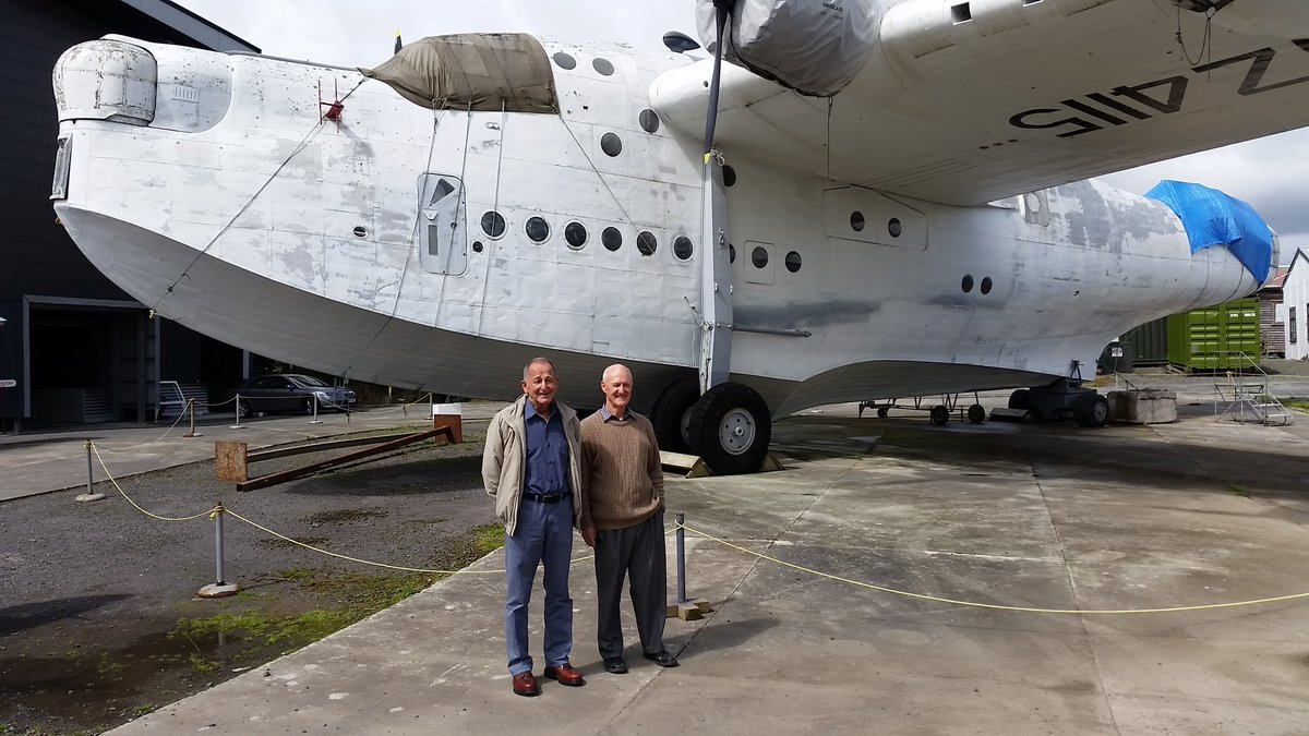 Reunited with their old aircraft after 50 years :) https://t.co/jWXn1vTPYB
