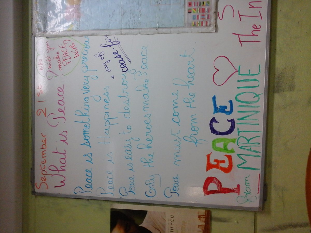 @CathMartinique ..love the board. #passthescopeEDU #internationaldayofpeace https://t.co/s7PP4xn3If