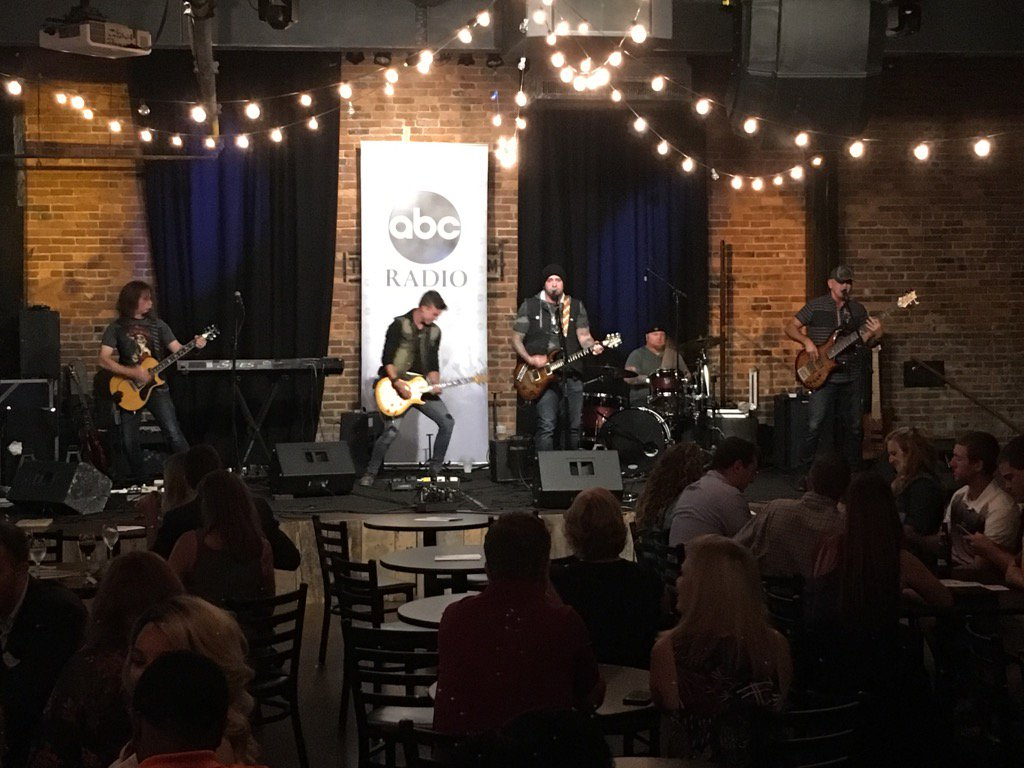The official #RadioShow2016 #MarconiAwards party @listeningroom is live with @samgrowmusic @ABCRadio @AllAccess https://t.co/resPwYqiAR