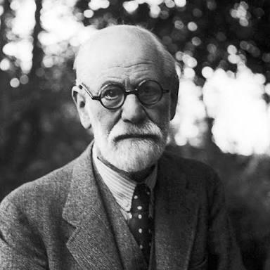 """""""O passado, o presente e o futuro são entrelaçados pelo fio do desejo que os une.""""  77 anos hoje sem Freud. https://t.co/w7SGlQad5B"""