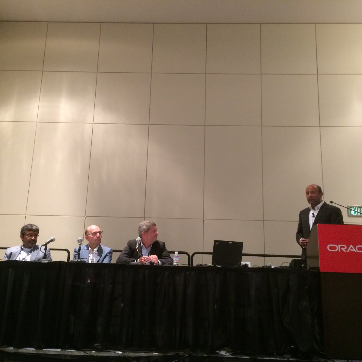Great #oow16 session: @AaliMasood @Lochbridge #Caixabank @SIA_pressoffice talk about driving value from #BigData  http:// ora.cl/3kW2     <br>http://pic.twitter.com/NHo0dbSLUZ